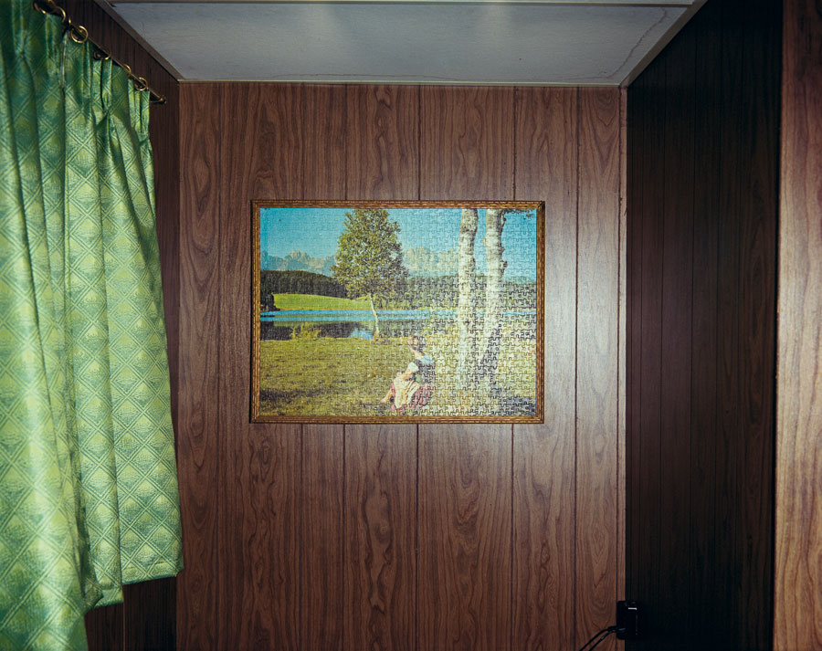 "Jig-Saw Puzzle In Cabin #8, Beach Motel, July 9, 1973. From The Series ""Uncommon Places"" © Stephen Shore. Courtesy 303 Gallery, New York"