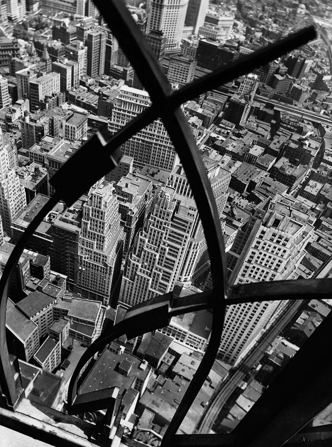 Berenice Abbott, City Arabesque, 1938 © Berenice Abbott / Commerce Graphics, Courtesy Howard Greenberg Gallery, NY