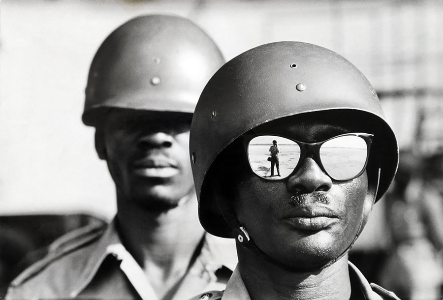 Self Portrait In Sunglasses, Airport Of Léopoldville (former Name Of Kinshasa), 1961 © Marc Riboud