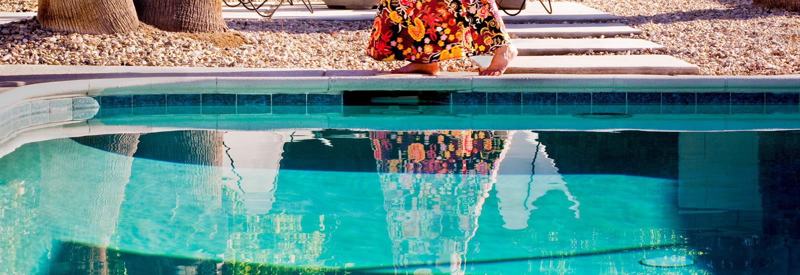 © Nancy Baron: »Backyard Morning«, (detail), 2012, aus der Serie | from the series »Palm Springs – The Good Life Goes On«, 81,28 x 121,92 cm, Ed. 5 + 2 AP