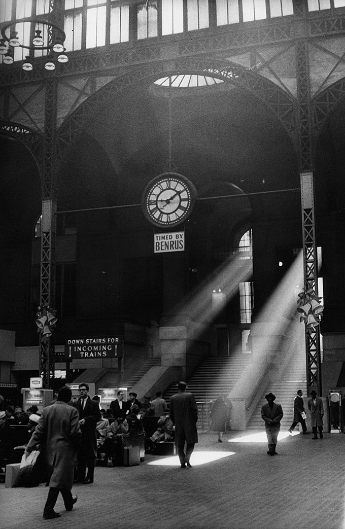© Sabine Weiss, Pennsylvania Station, New York, 1962