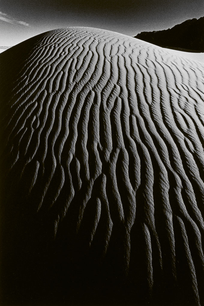 Vallée De La Mort, 1977 © Estate Jeanloup Sieff