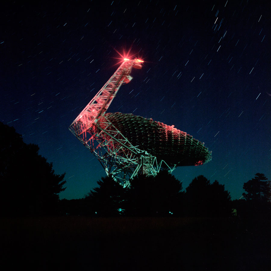 Green Bank Telescope, Green Bank, WY, 2015, 80x80 Cm © Andrew Phelps & Paul Kranzler