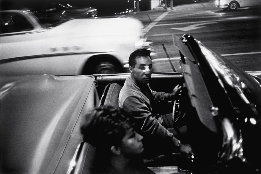 """""""Garry Winogrand: All Things Are Photographable"""" By Sasha Waters Freyer © The Estate Of Garry Winogrand, Courtesy Fraenkel Gallery"""
