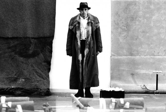 Lothar Wolleh Raum | Joseph Beuys & Lothar Wolleh »The Unterwasserbuch Project«