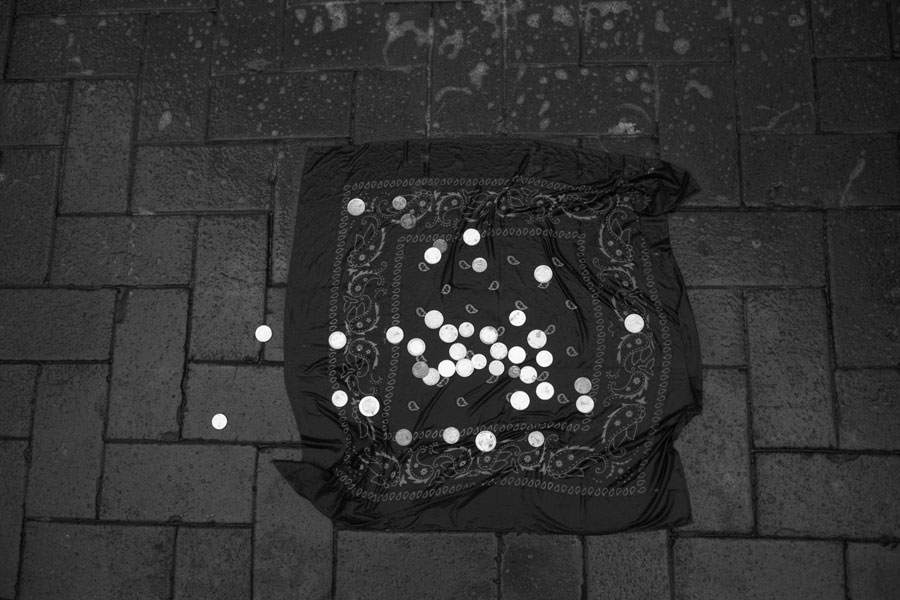 """Thomas Sandberg (*1952), """"Cloth With Coins"""", Dublin 2011, Cycle Bronze By Gold, Chapter Joyce, Silver Gelatin Print, 32,3x21,5cm (35x24 Cm), Printed 2016 © Thomas Sandberg"""